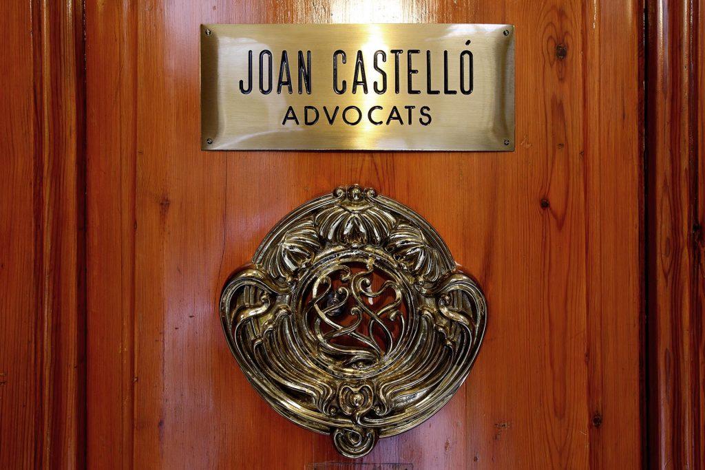 Porta d'entrada al Despatx Joan Castelló Abogados Penalistas